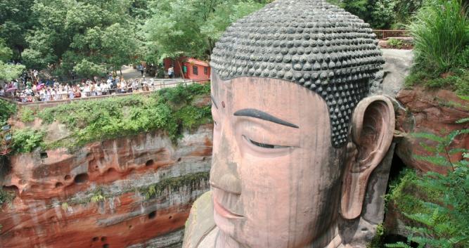 head-of-seated-Buddha-Leshan-near-Chengdu-China