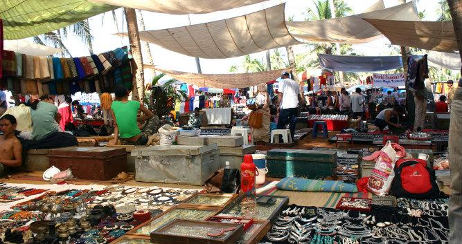 Anjuna Hippy Market - Goa - India