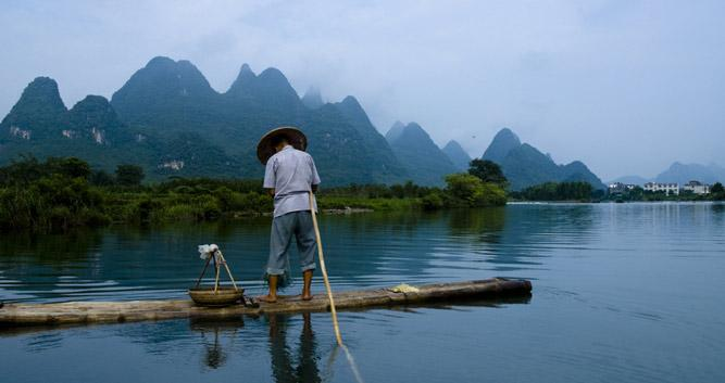 Cormorant-fisherman-Yulong-RiverCormorant-fisherman