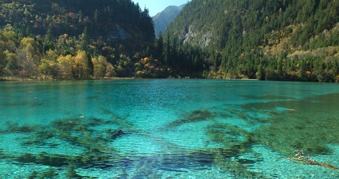 2. Jiuzhai Valley National Park in Sichuan in Luxury China Travel