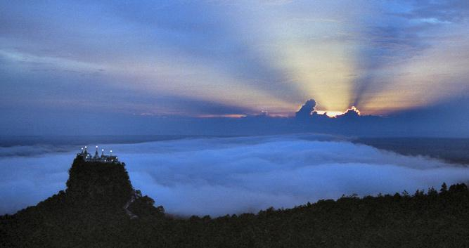 Mount-Popa-Sunrise-Luxury-Burma-Travel