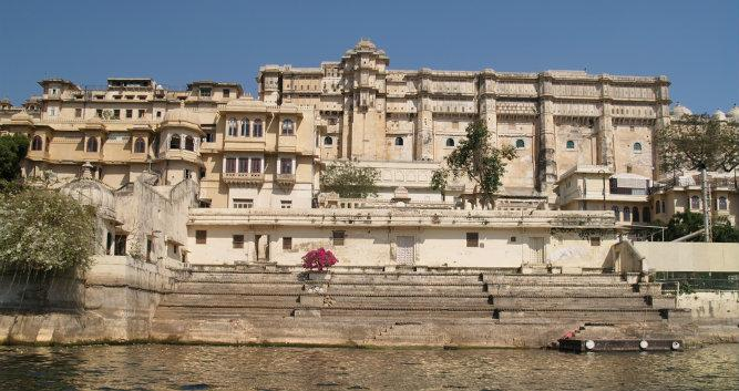 Rajput style City Palace by Lake Pichola, Udaipur, India