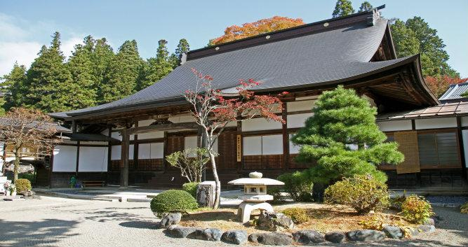 Temple annex in Takayama - Luxury Japan Tours