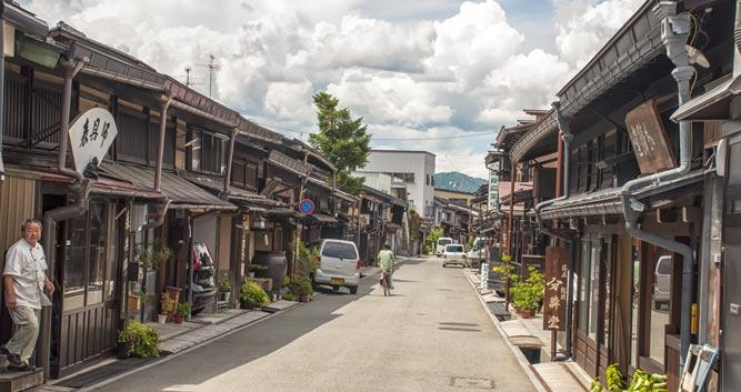 Empty-street-of-Takayama  - Luxury Japan Tours