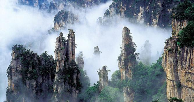 Tianzi-Mountain-Nature-Reserve-Zhangjiajie-National-Forest-Park-in Luxury-Travel-China