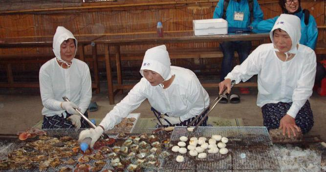 Ama divers cooking their catch - Ise - Luxury Japan Tours
