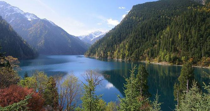 Jiuzhai Valley National Park in Sichuan in Luxury China Travel