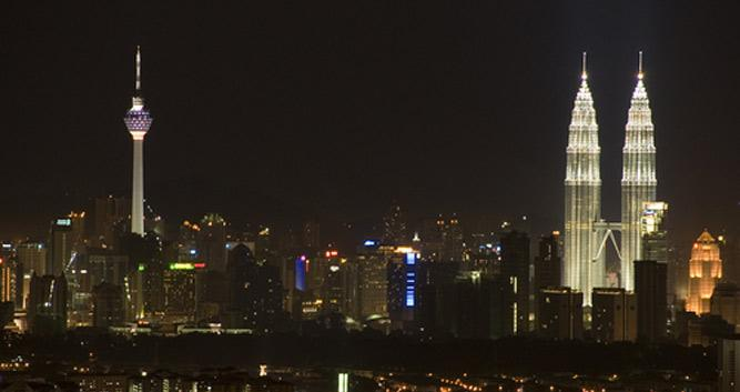 Petronas towers at night, Kuala LUmpur, Malaysia
