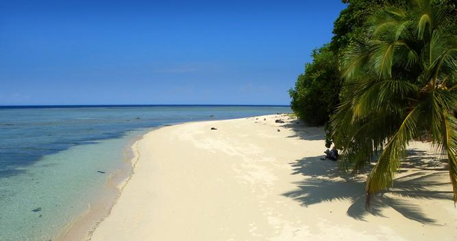 Picture perfect beach, Sabah, Borneo