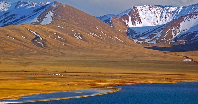 Image of Lake Namatso, Tibet, China - Luxury China Travel