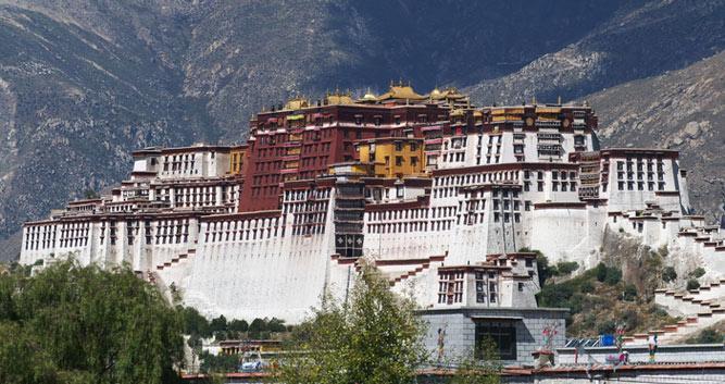 Image of The Potala Palace, Lhasa, Tibet, China - Luxury China Travel