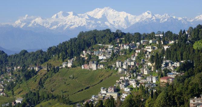 Mount Kanchenjunga and Darjeeling - India - Luxury India Travel